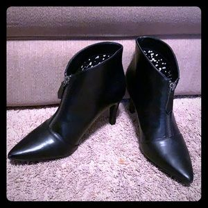 """Diba Black Bootie 3""""  Heels Size 7"""